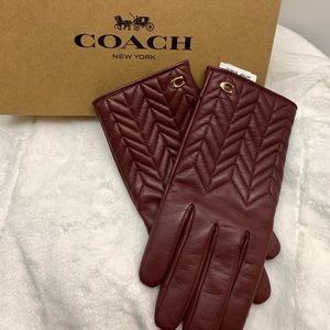 GIFT READY!! COACH SIG QUILTED LEATHER TECH GLOVES